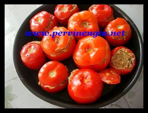 KIYMALI DOMATES DOLMASI (közlenmiş patlıcanlı)